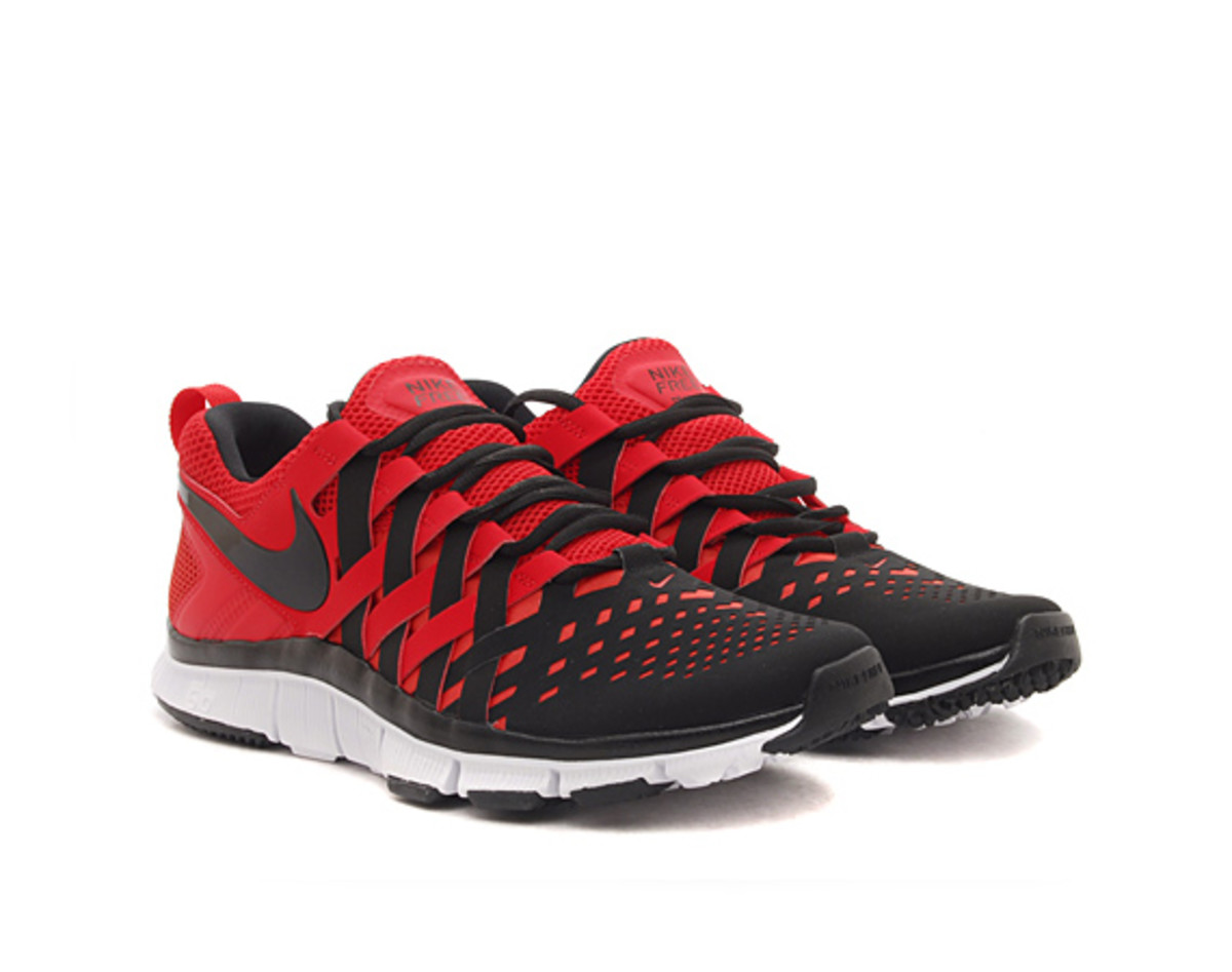 feature-nike-free-5-trainer-pimento