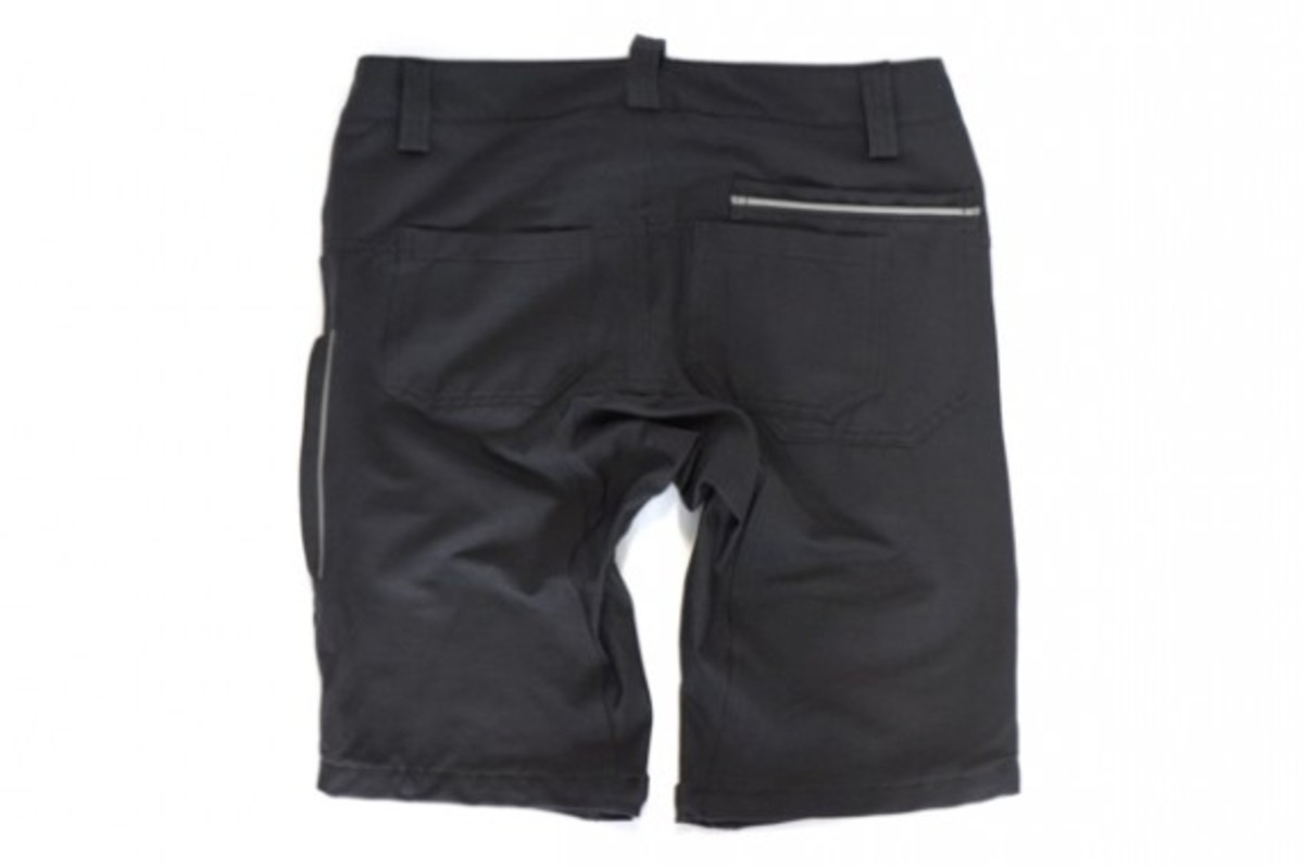 chari-and-co-gear-pdx-riding-shorts-03