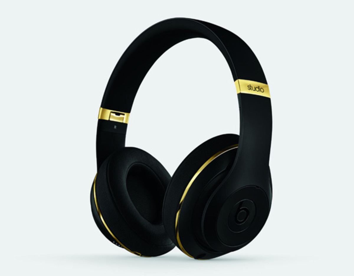 alexander-wang-beats-by-dr-dre-collection-detailed-look-02