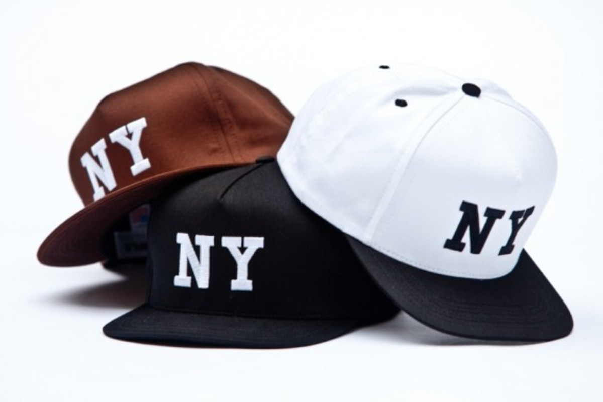 chari-and-co-solid-ny-logo-snap-back-cap-01