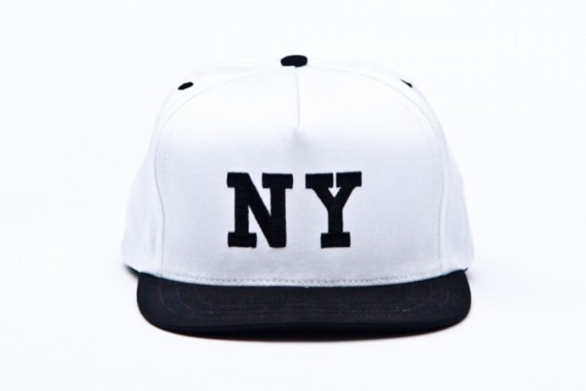 chari-and-co-solid-ny-logo-snap-back-cap-05