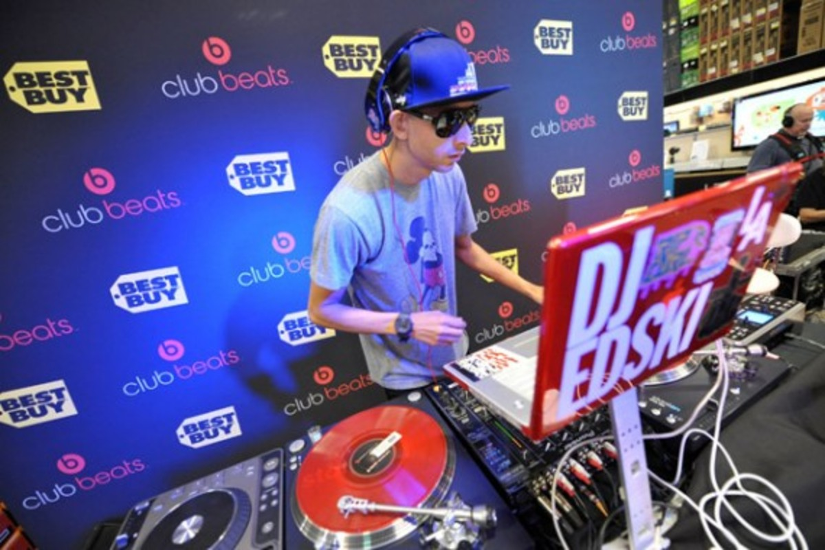 monster-x-beats-by-dre-x-best-buy-club-beats-launch-9