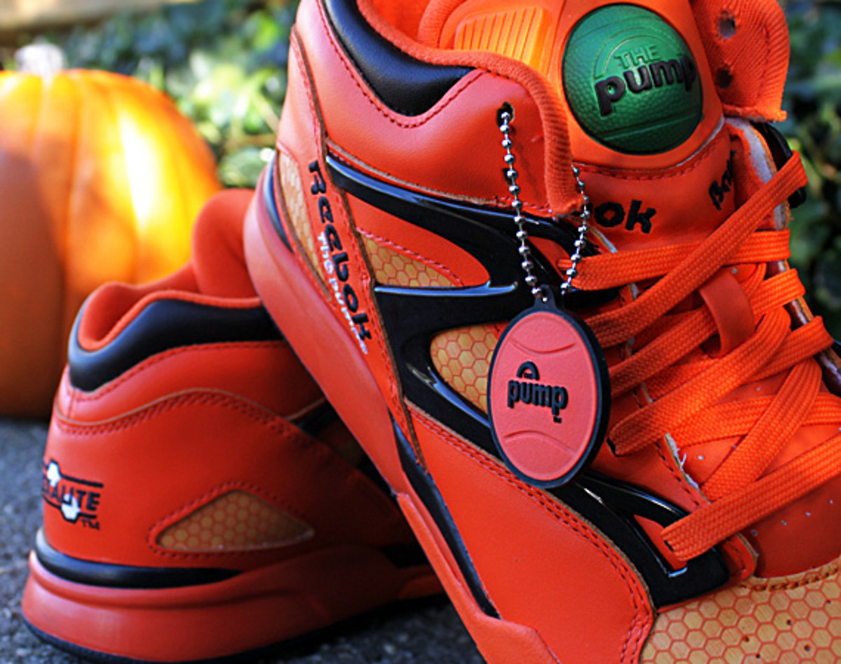 ... be a need for Linus van Pelt to write another letter to The Great  Pumpkin this Halloween. Introducing the very festive Reebok Pump Omni Lite