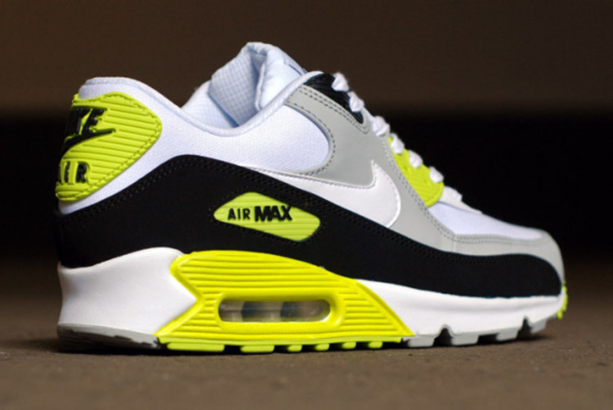 nike-air-max-90-strata-grey-cyber-green-04