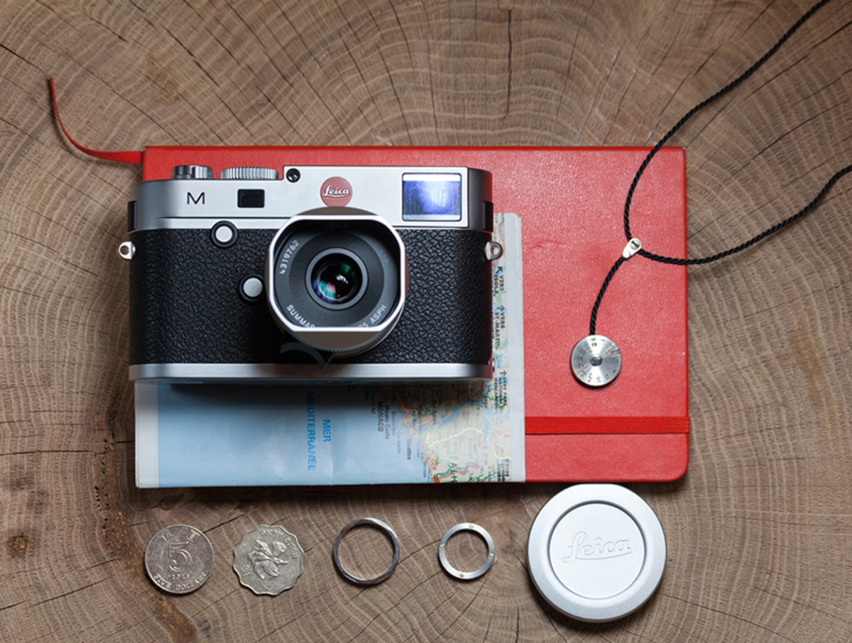 leica-pendant-and-cuff-links-02