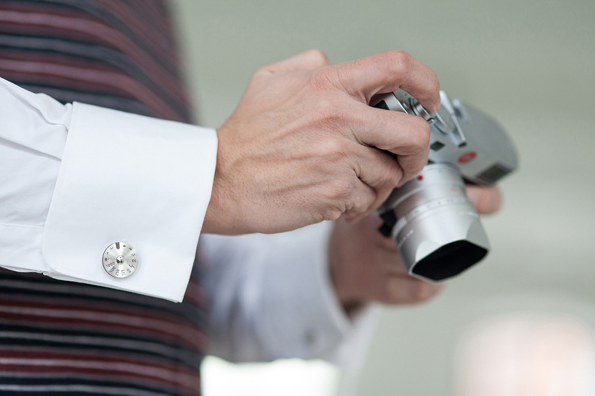 leica-pendant-and-cuff-links-00