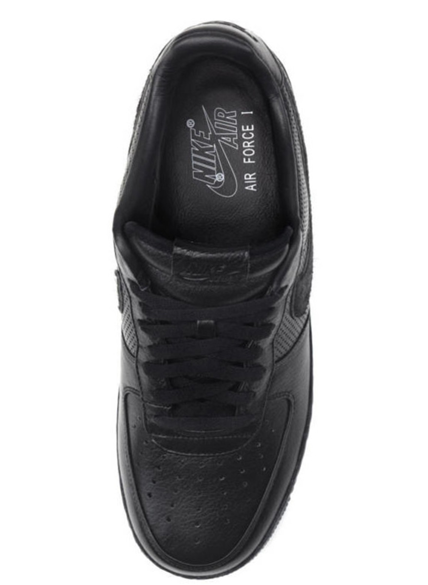 jay-z-nike-air-force-1-all-black-everything-puerto-rico-05
