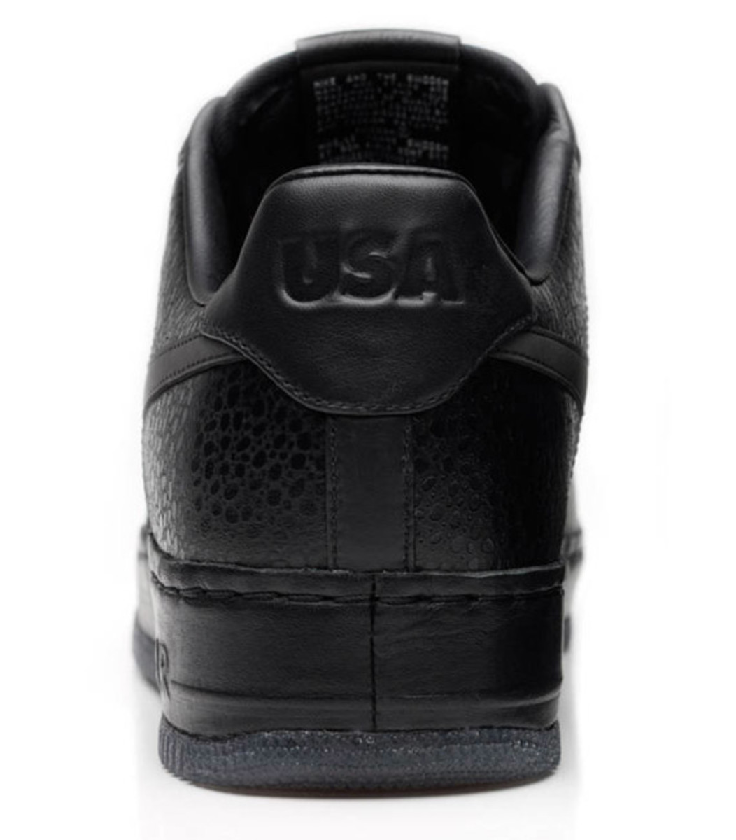 jay-z-nike-air-force-1-all-black-everything-usa-08