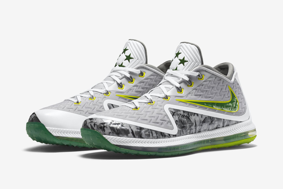 Nike Launches Field General 2 Training Shoes for Oregon Fans
