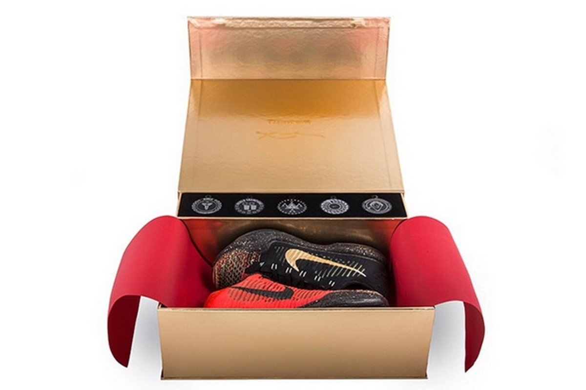 nike-vault-reveals-the-special-kobe-10-elite-christmas-packaging-1