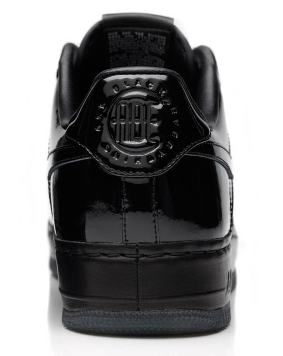 jay-z-nike-air-force-1-all-black-everything-brazil-08