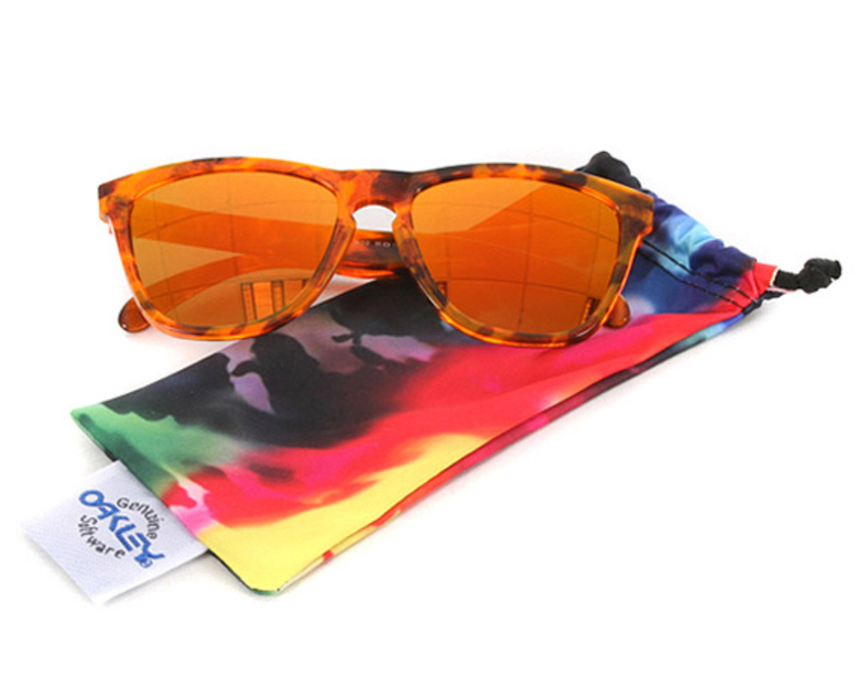 oakley-frogskins-sunglasses-summer-2013-collection-01