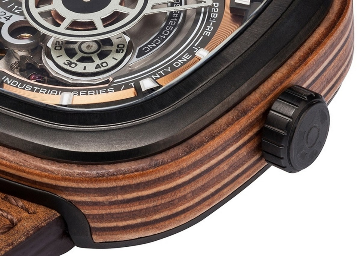 sevenfriday-p2b03-w-woody-limited-edition-7