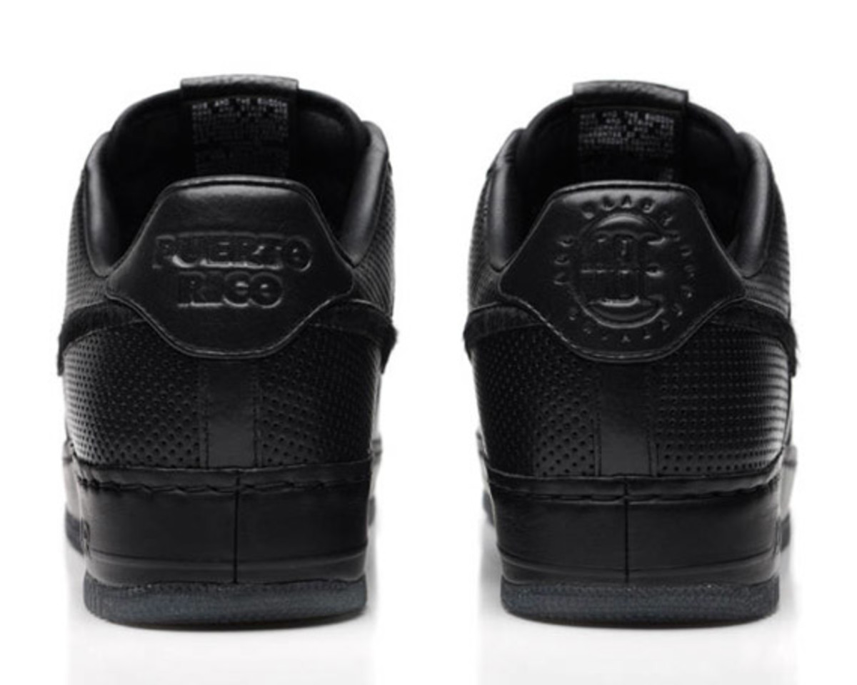 jay-z-nike-air-force-1-all-black-everything-puerto-rico-04