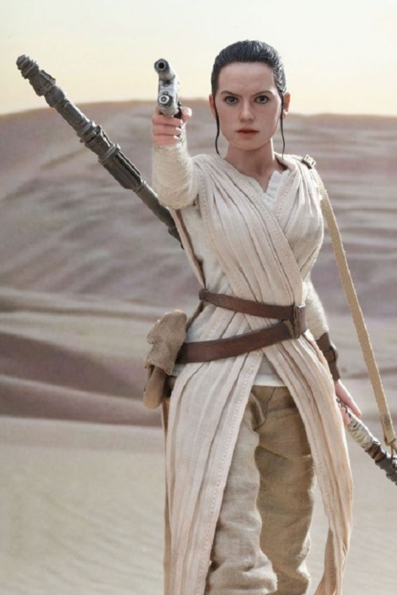 hot-toys-adds-rey-and-bb-8-to-their-star-wars-collectibles-line-up-2
