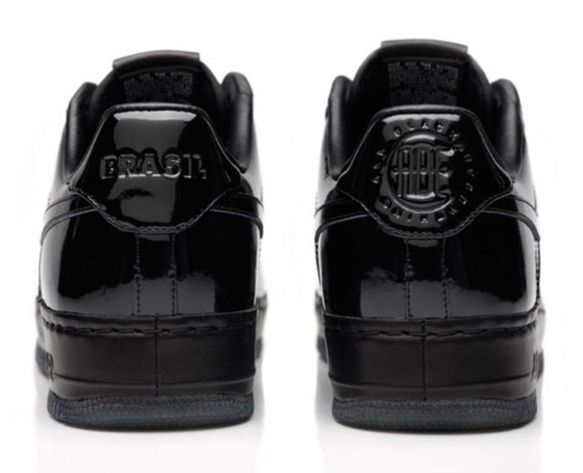 jay-z-nike-air-force-1-all-black-everything-brazil-04