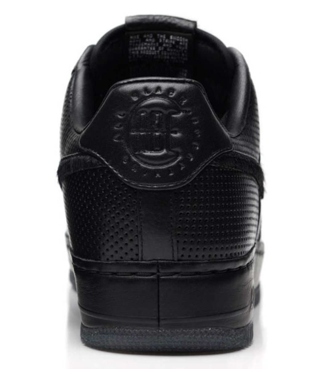 jay-z-nike-air-force-1-all-black-everything-puerto-rico-08