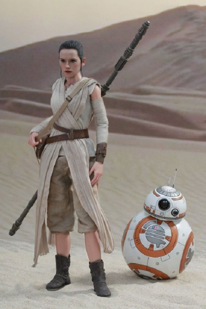 hot-toys-adds-rey-and-bb-8-to-their-star-wars-collectibles-line-up-1