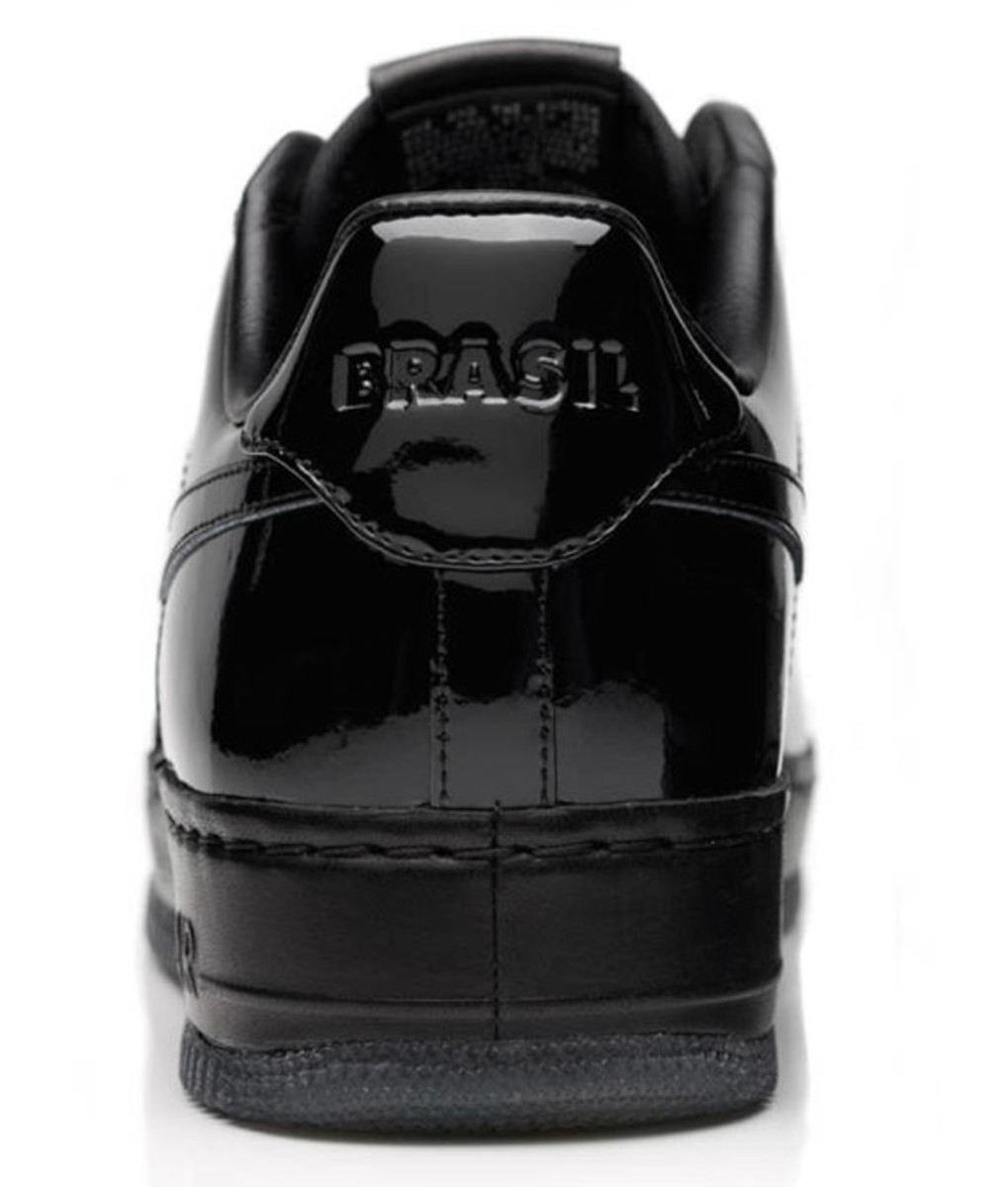 jay-z-nike-air-force-1-all-black-everything-brazil-07