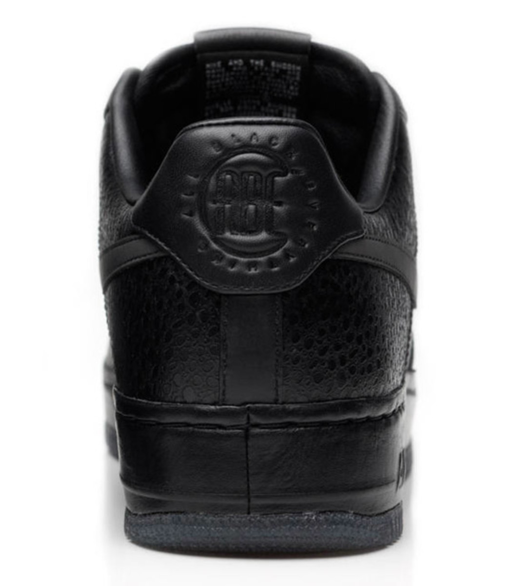 jay-z-nike-air-force-1-all-black-everything-usa-09