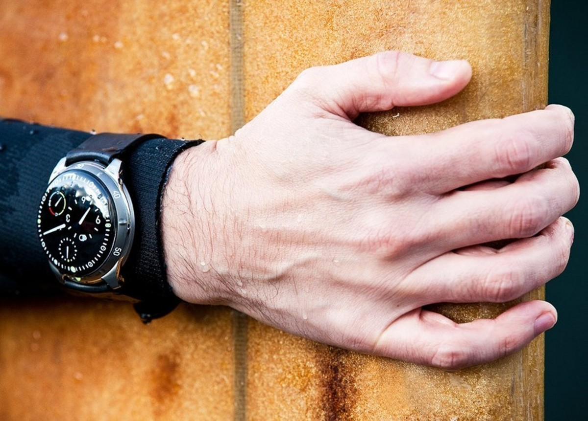 ressence-type-5-oil-filled-dive-watch-7