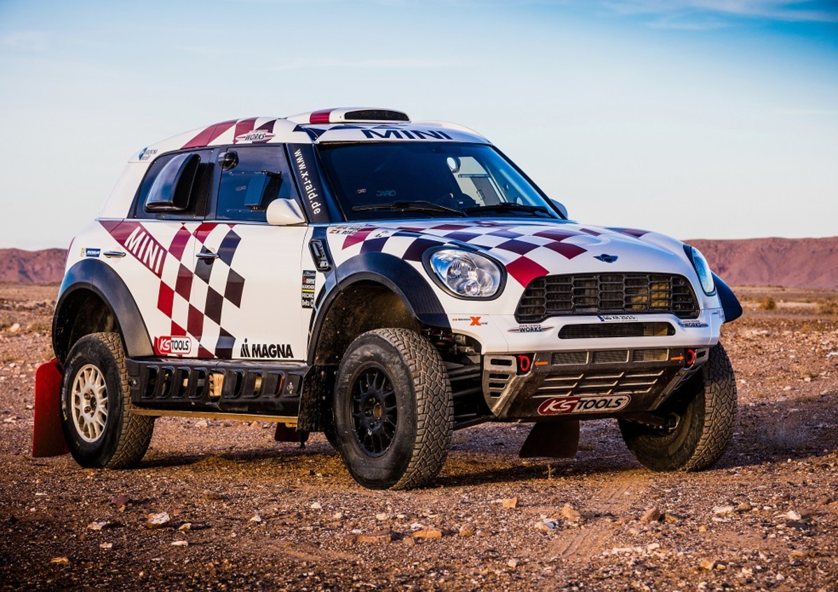 mini-unveils-their-all4-racing-entry-for-the-2016-dakar-rally-4