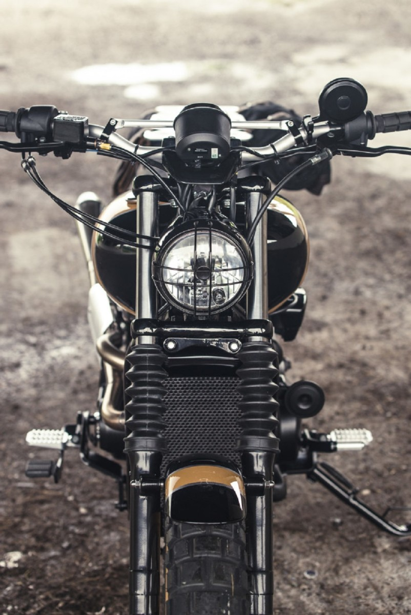analog-motorcycles-pours-a-whiskey-grade-dirty750-harley-davidson-motorcycle-3