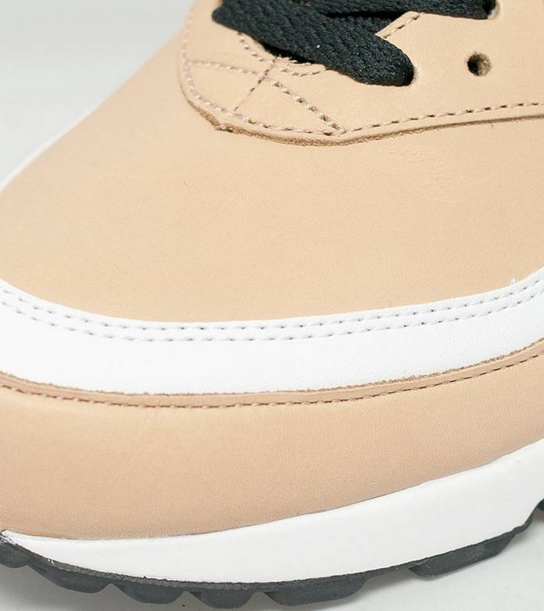 the-nike-air-max-bw-vachetta-delivers-buttery-tan-leather-3