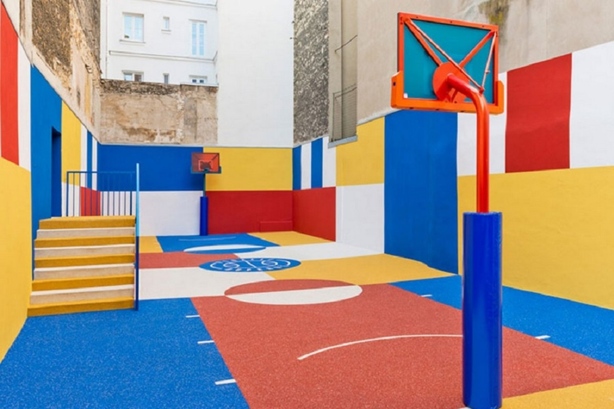 pigalle-basketball-color-blocked-court-in-paris-0