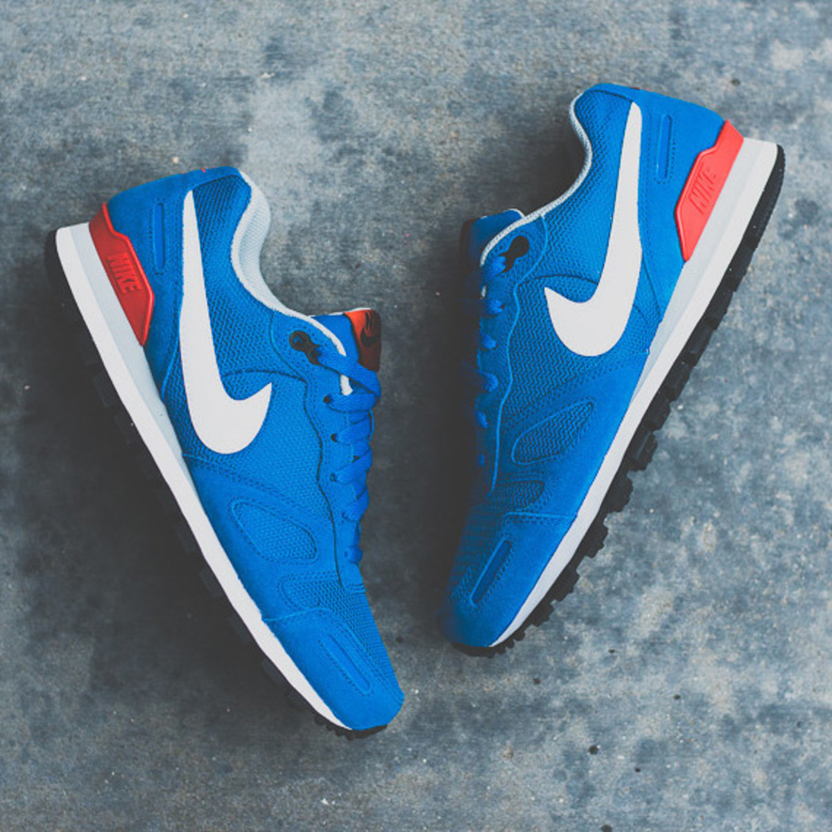 nike-air-waffle-trainer-military-blue-05