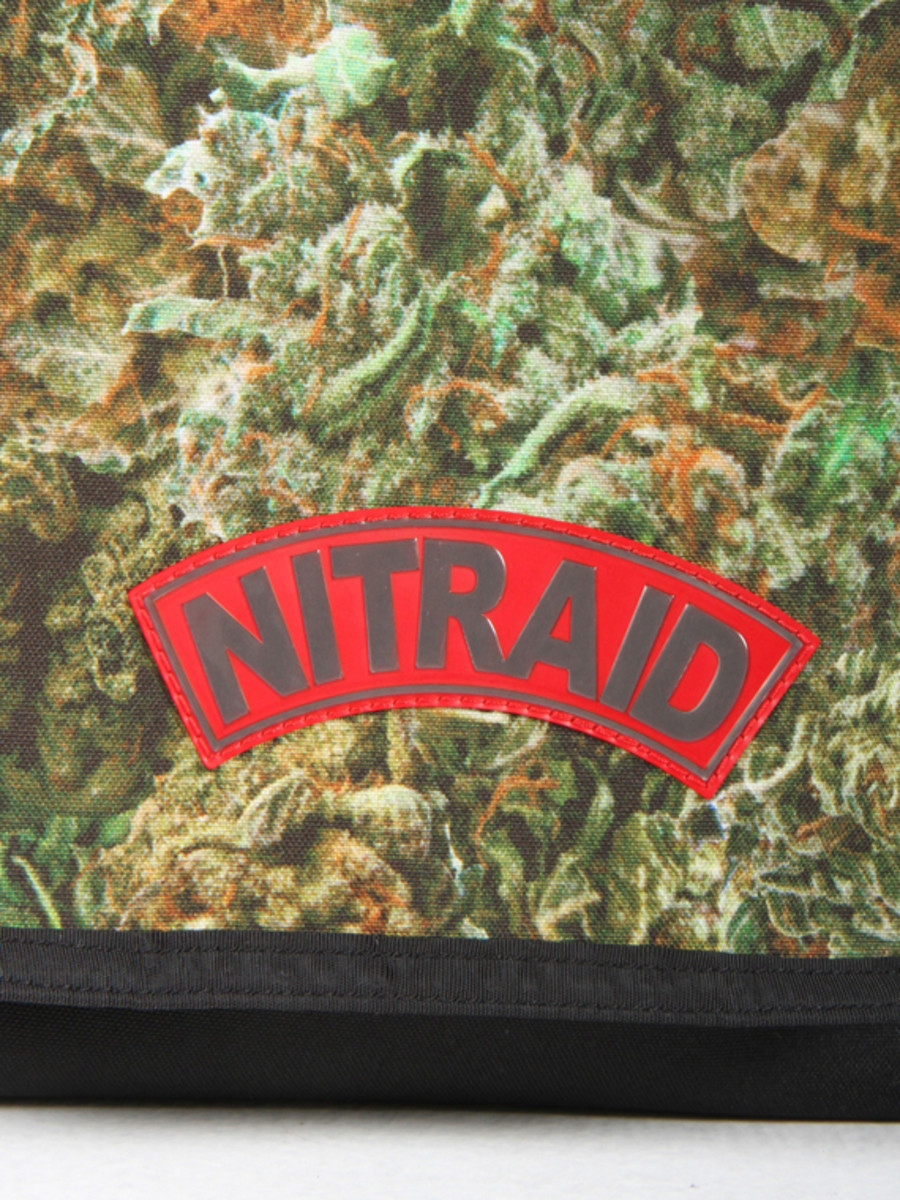 nitraid-dope-forest-ipad-shoulder-bag-02