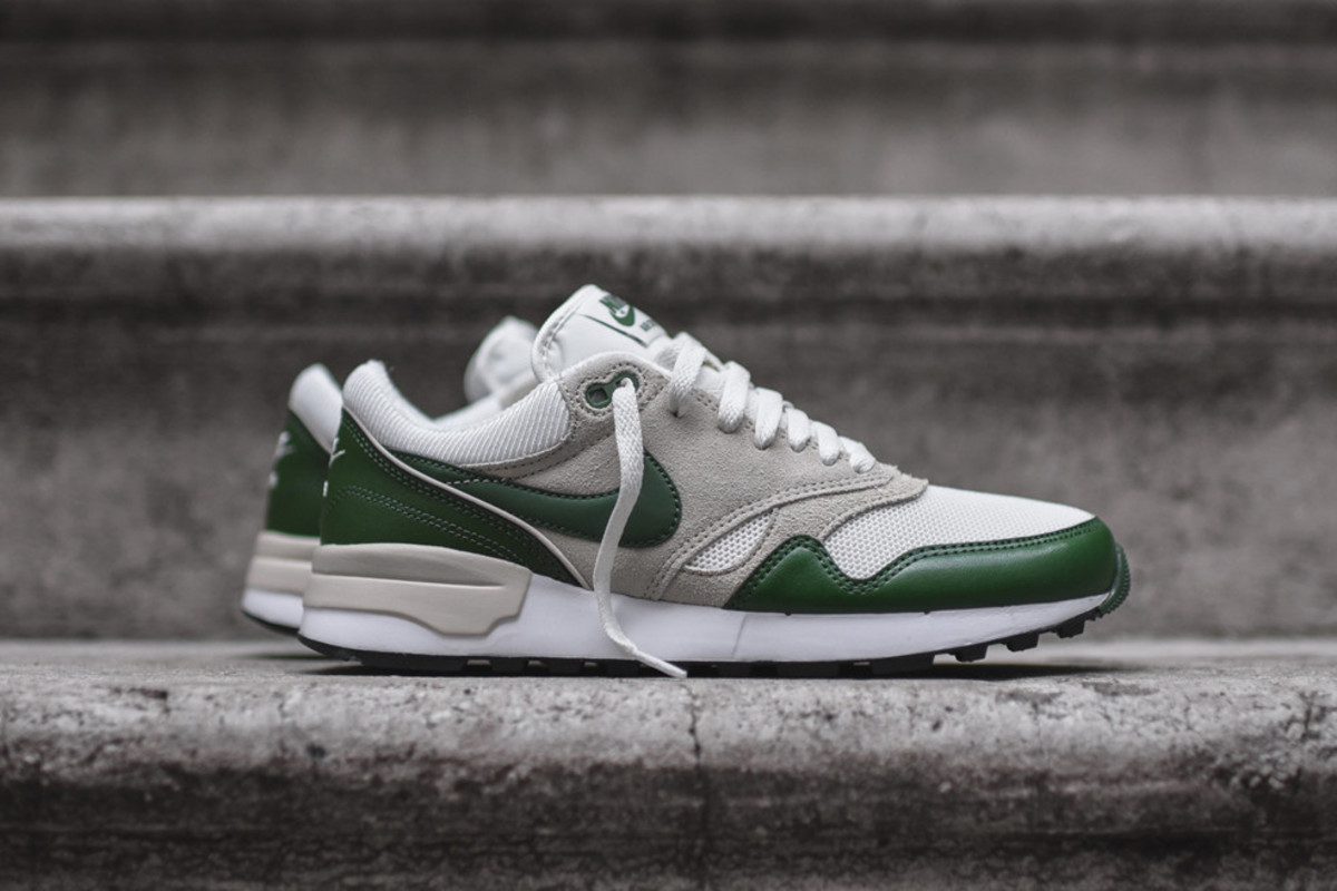 nike-air-odyssey-forest-green-00