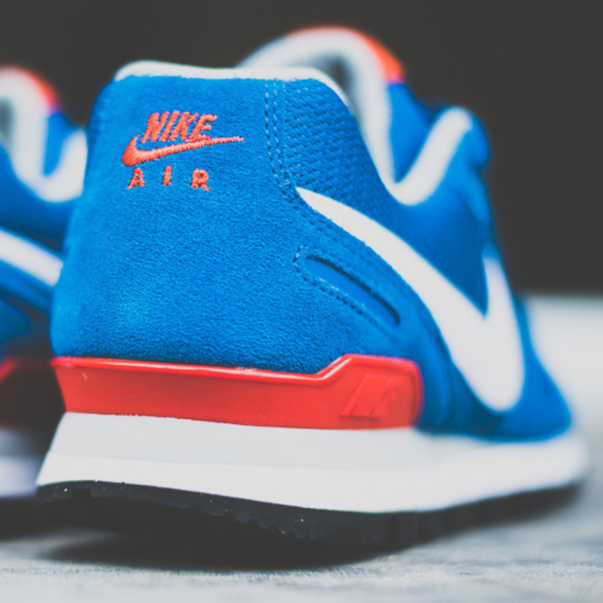 nike-air-waffle-trainer-military-blue-04a