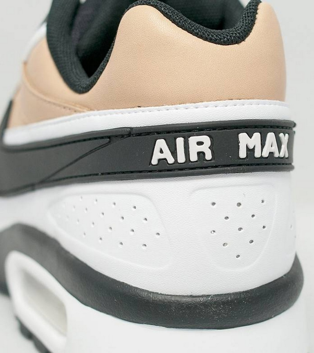 the-nike-air-max-bw-vachetta-delivers-buttery-tan-leather-6