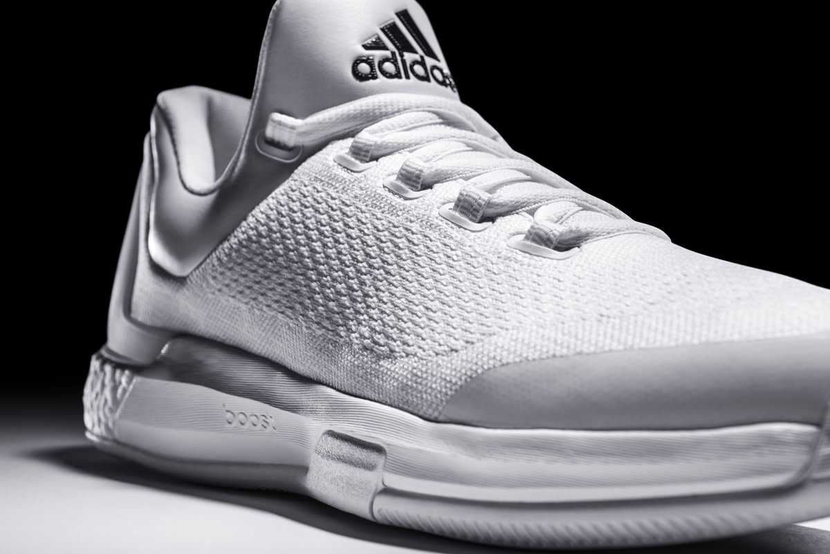 adidas-triple-white-crazylight-boost-02