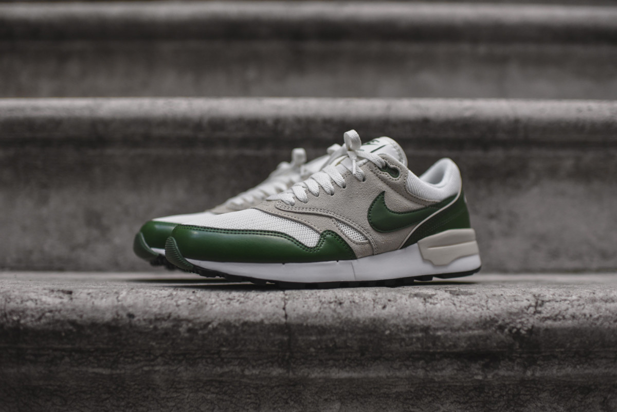 nike-air-odyssey-forest-green-01