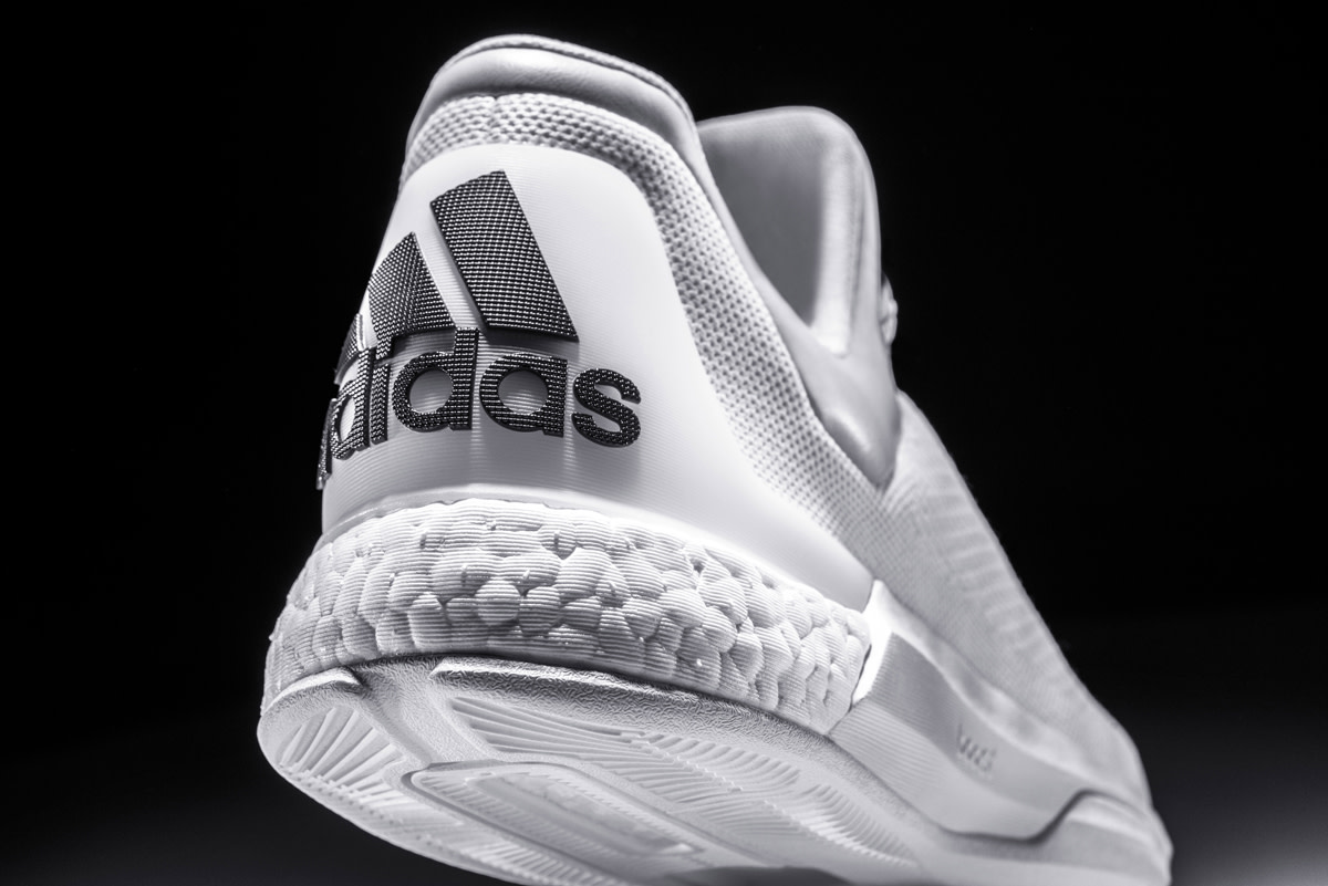 adidas-triple-white-crazylight-boost-04