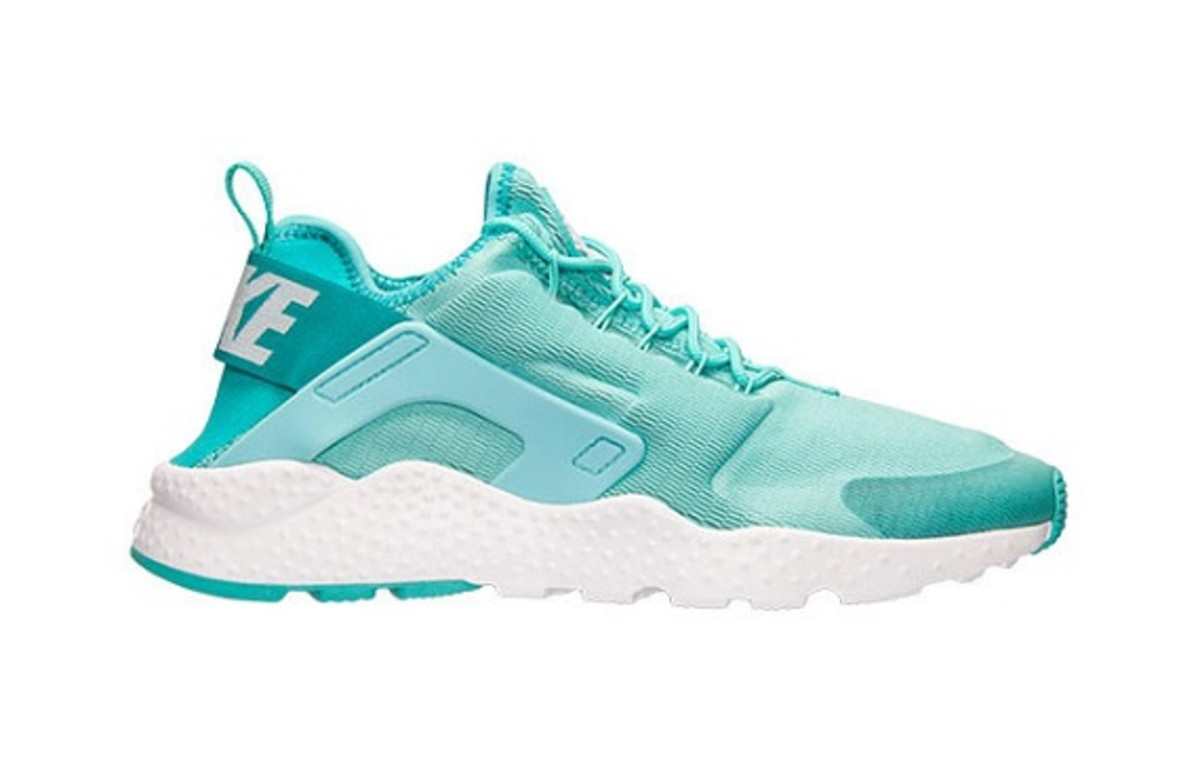 new-nike-air-huarache-ultra-colorways-set-for-december-26-release-4