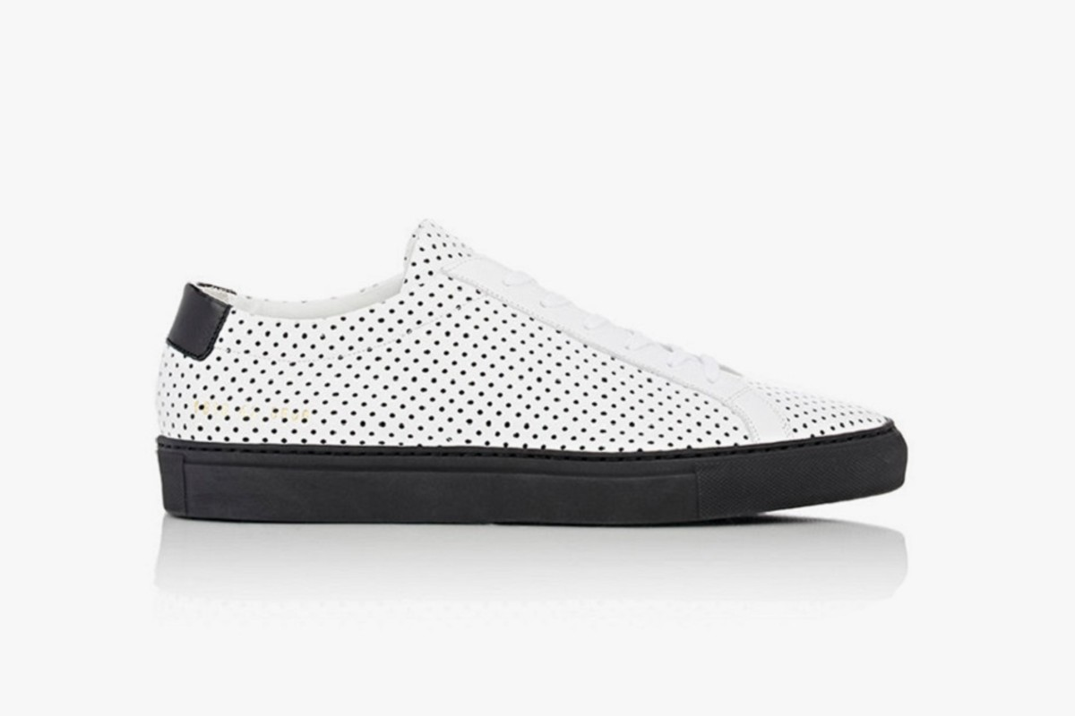 barneys-x-common-projects-introduce-a-limited-edition-achilles-low-1