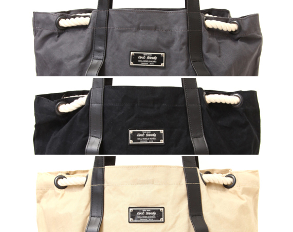 rock-steady-porter-holiday-tote-bag-00