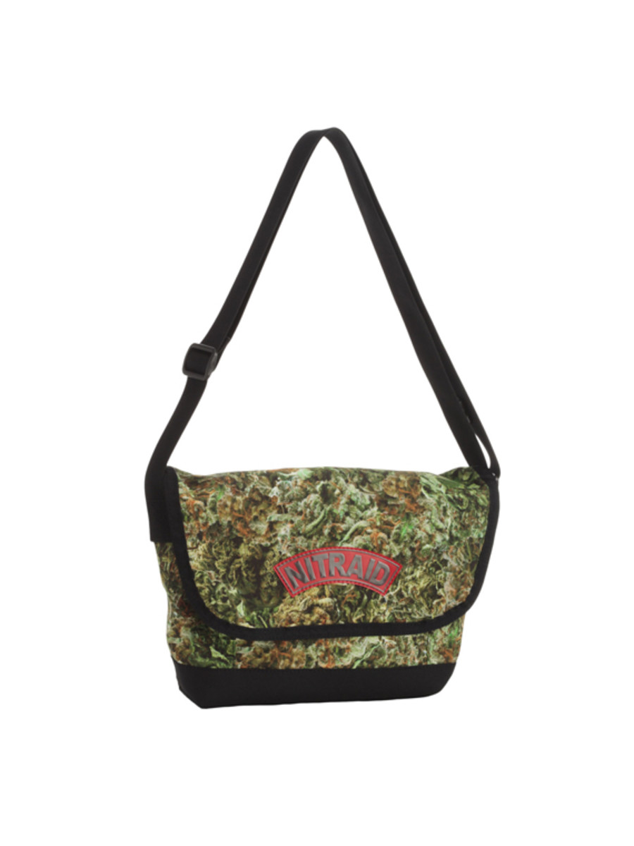 nitraid-dope-forest-ipad-shoulder-bag-01