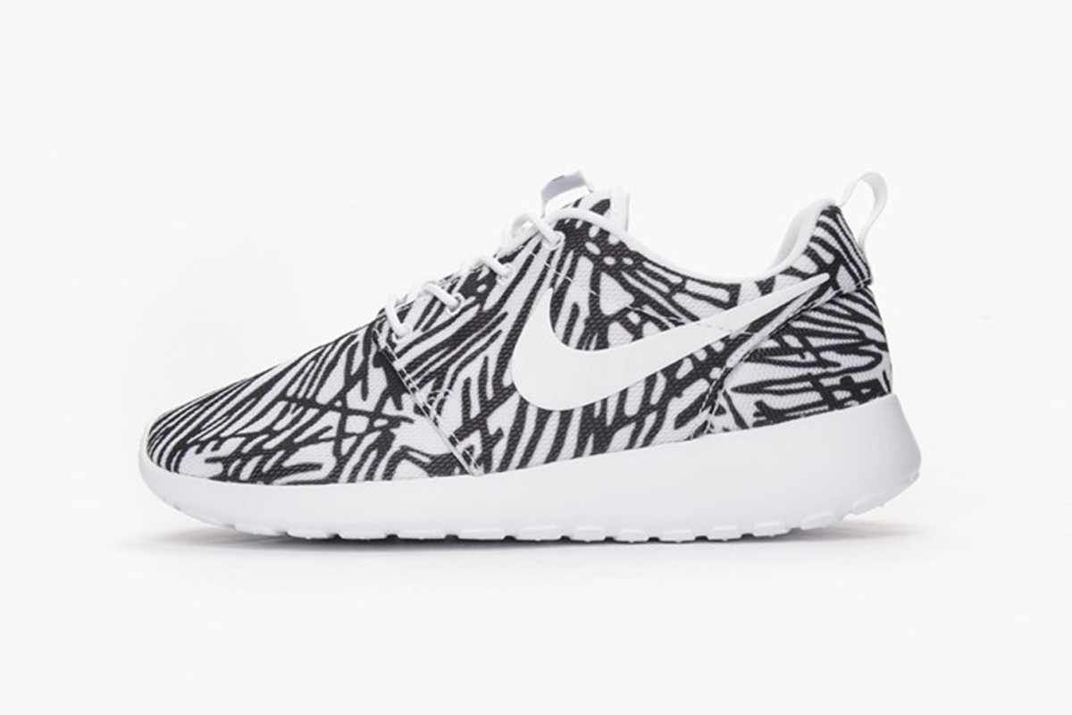 a344d9d587785 A Jagged Print Covers This New Women s Nike Roshe One - Freshness Mag