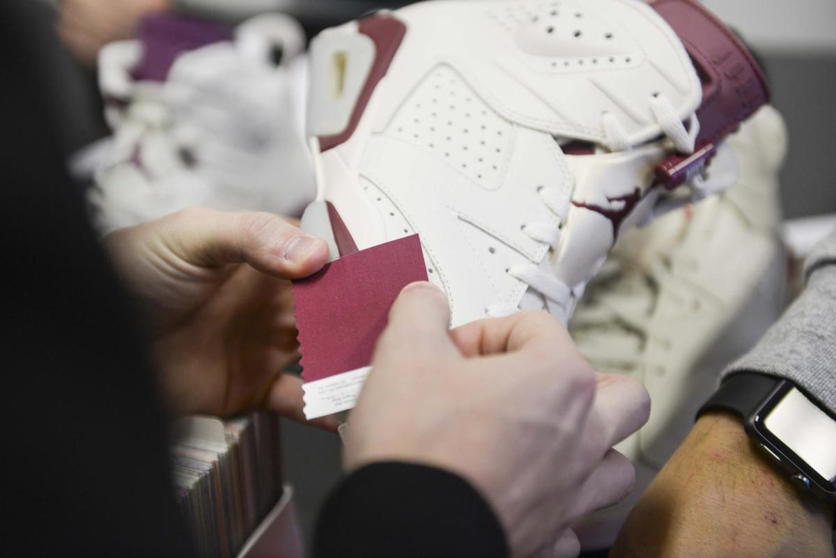 air-jordan-6-maroon-06