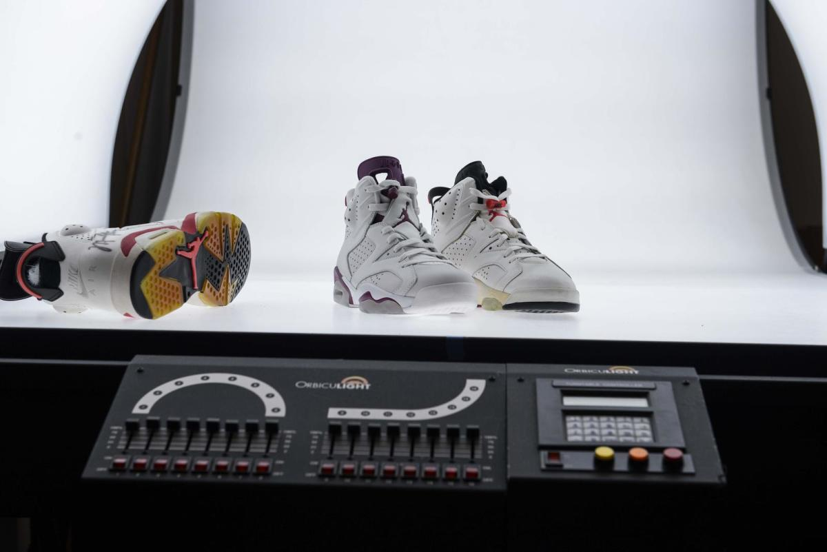 air-jordan-6-maroon-07