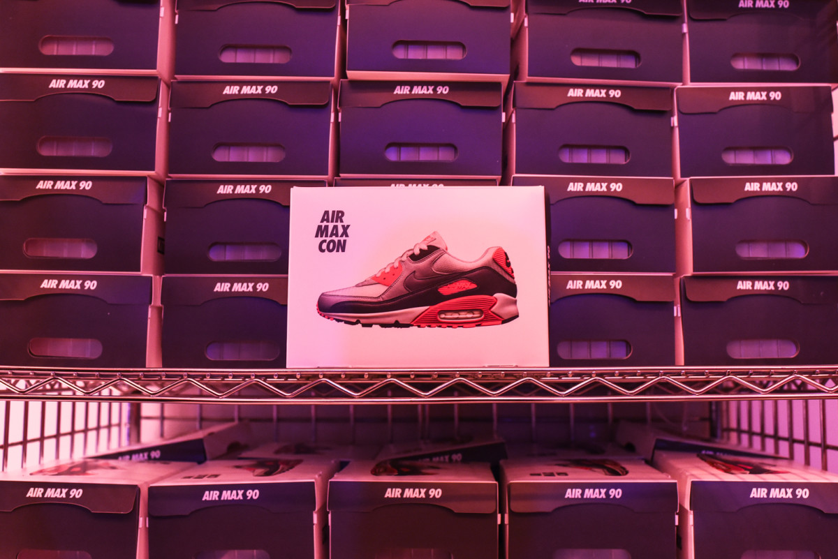 kith-treats-for-nike-air-max-con-nyc-03.jpg