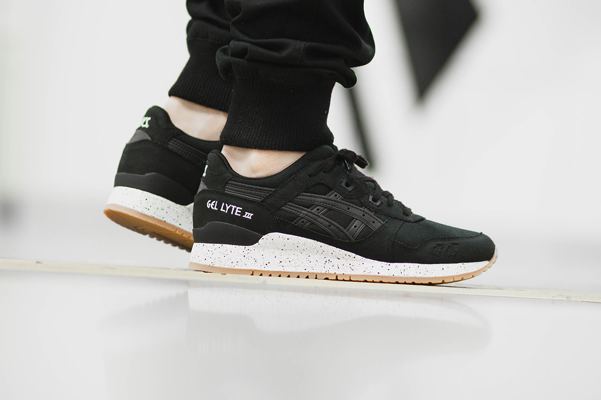 save off 8810a c9a5b The ASICS GEL-Lyte III Arrives In an All-Black Canvas Build ...