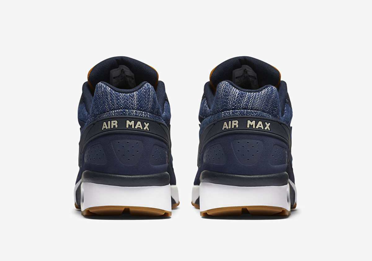 taille 40 4a0a4 4637e The Nike Air Classic BW Gets the Denim Treatment - Freshness Mag