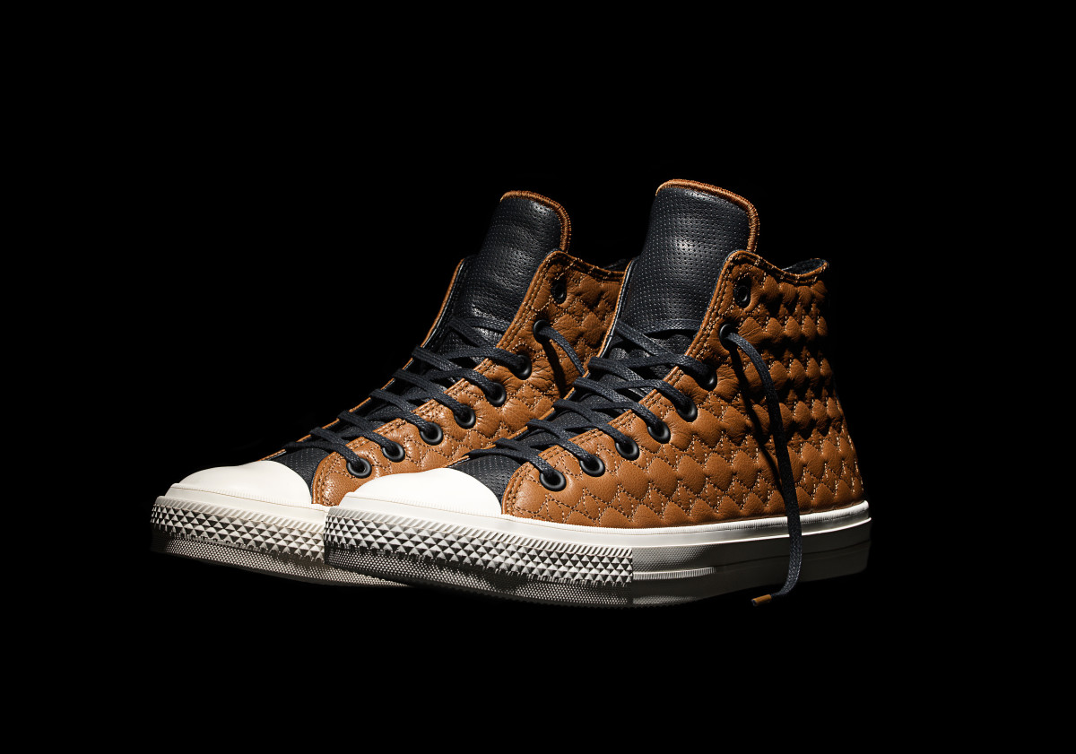converse-chuck-taylor-all-star-ii-car-leather-pack-01.jpg
