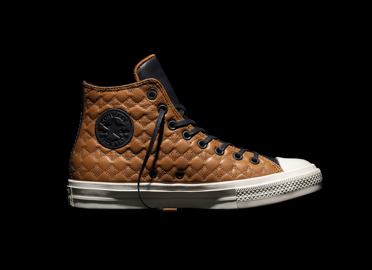 converse-chuck-taylor-all-star-ii-car-leather-pack-02.jpg