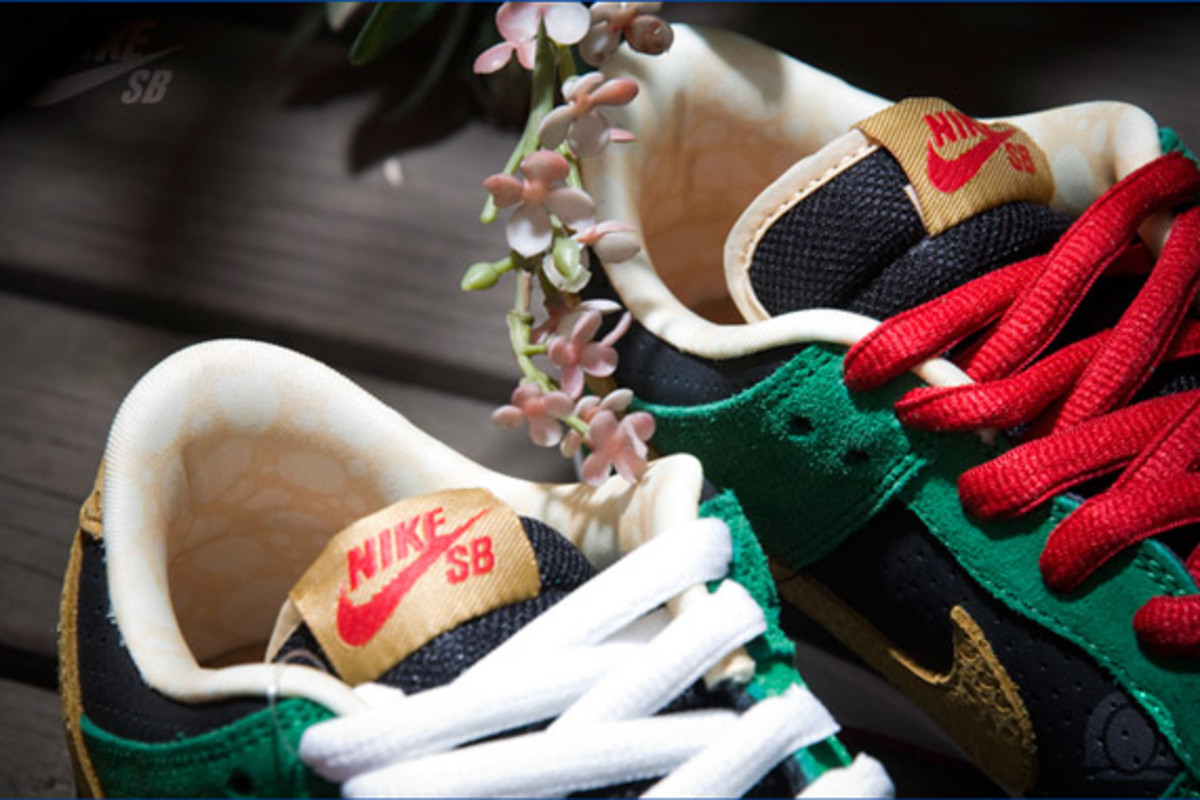 nike-sb-dunk-low-marvin-the-martian-4